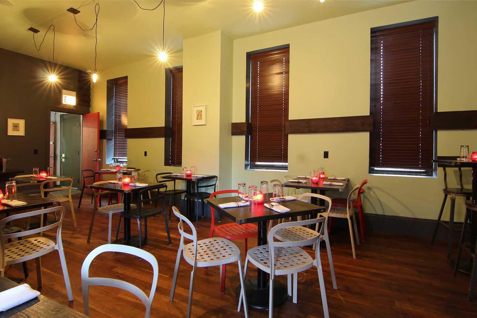 Red Door Restaurant Chicago Womenofpowerfo