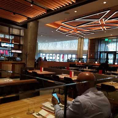 Earls Kitchen Bar Tysons Restaurant Review Zagat