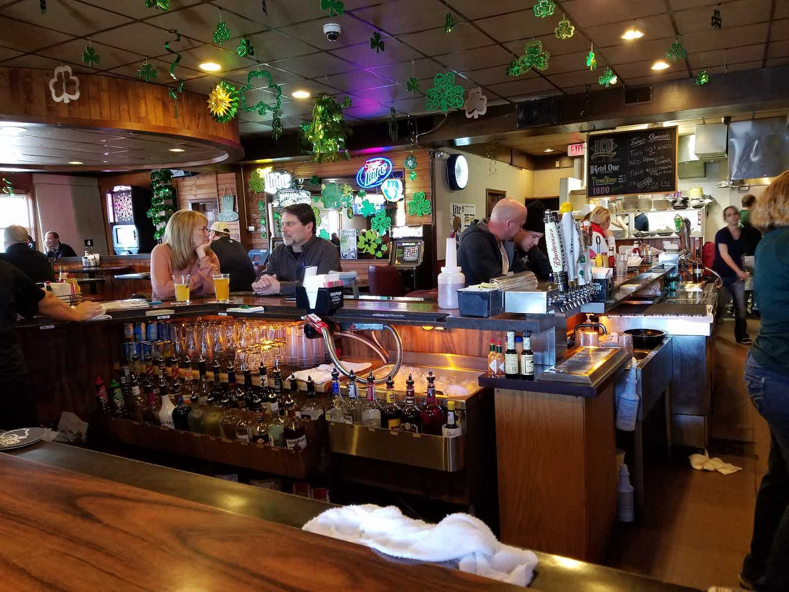 Icu Bar Grill Neenah Restaurant Review Zagat